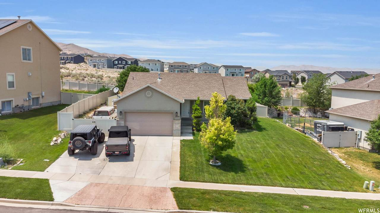 3397 Red Tailed Dr - Photo 1