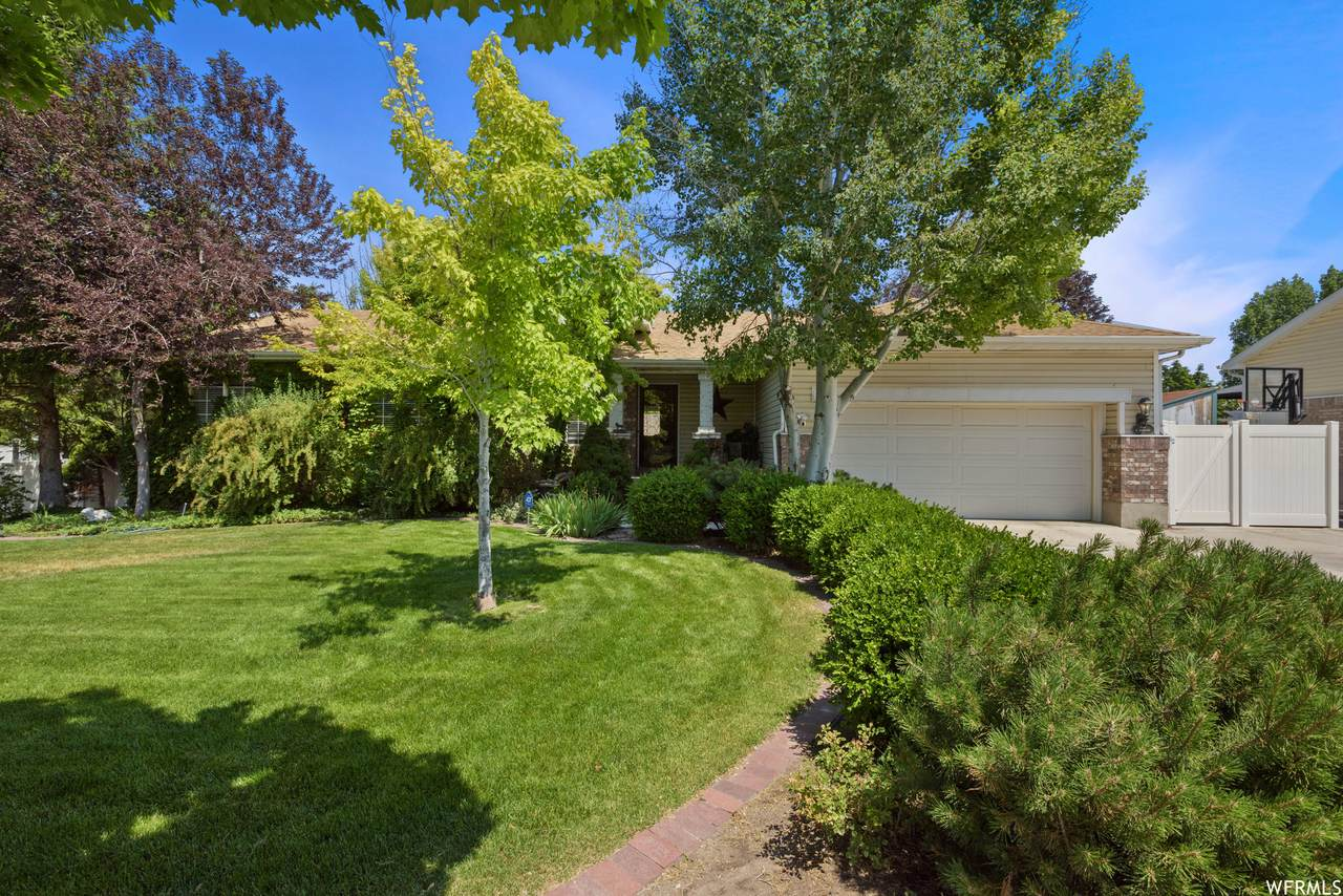 9149 Harkness Dr - Photo 1