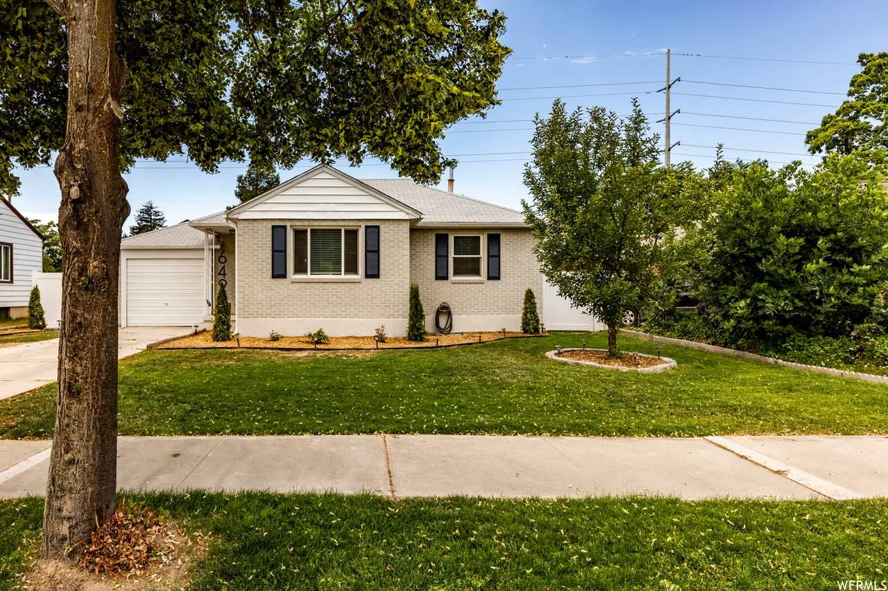 649 Colorado St - Photo 1