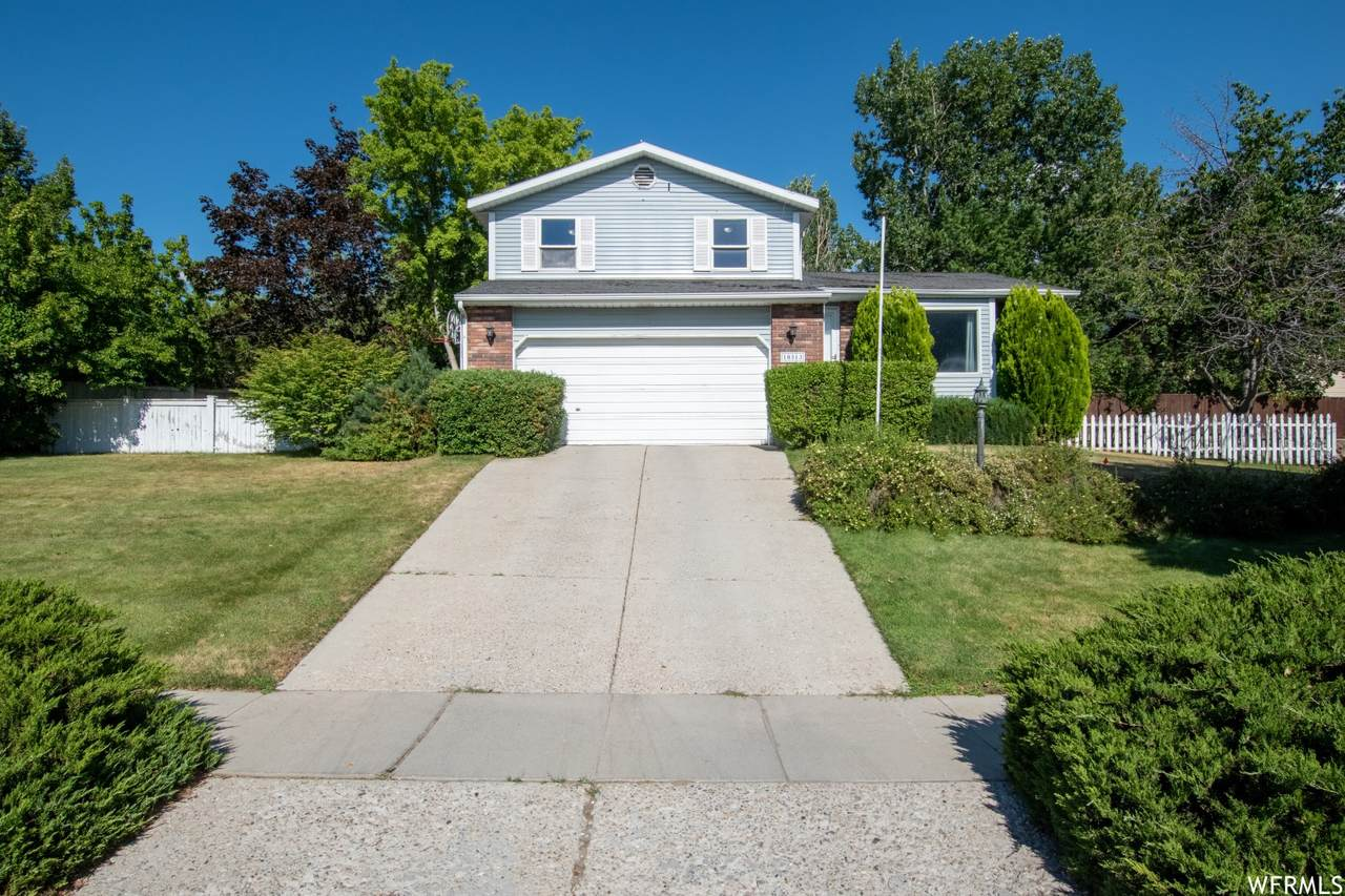 10313 Countrywood Dr - Photo 1