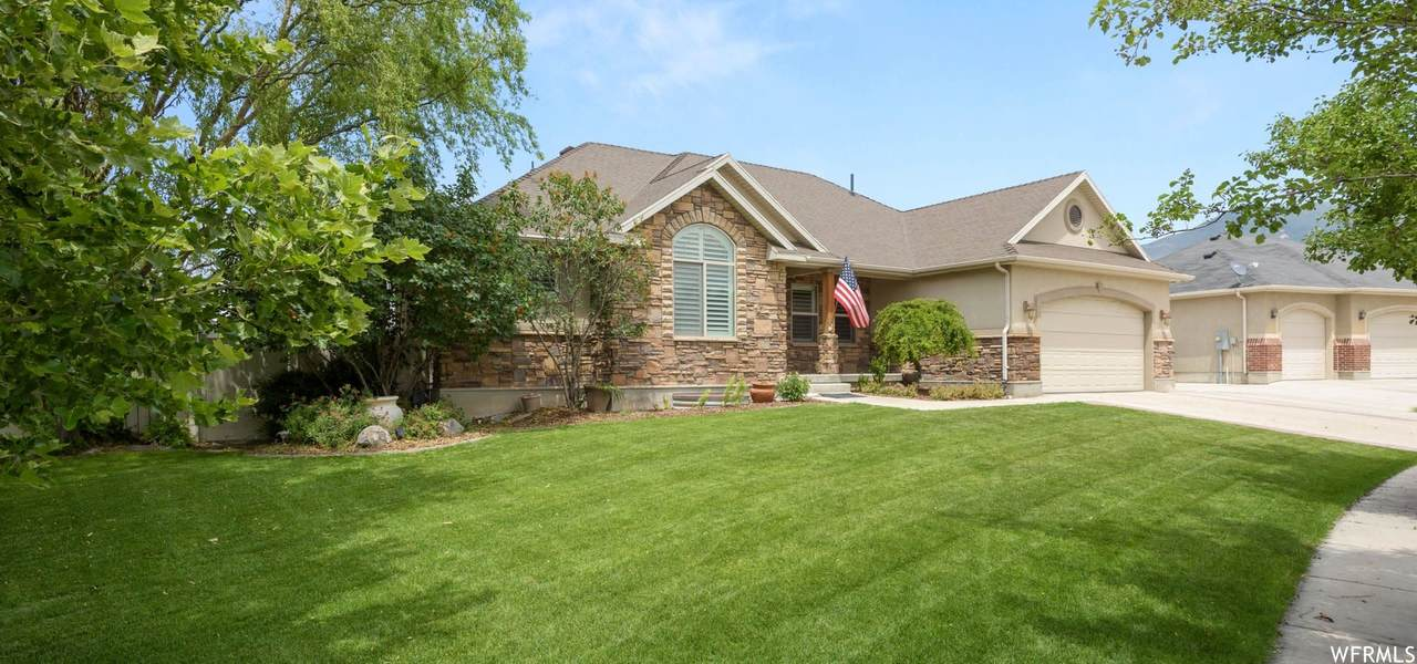 395 Winchester Dr - Photo 1