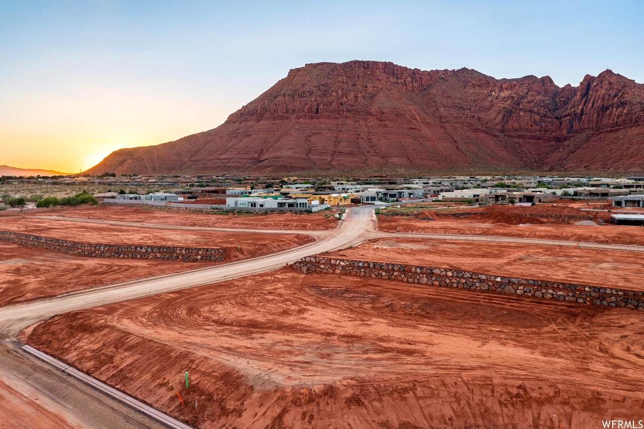 27 Desert Ln - Photo 1