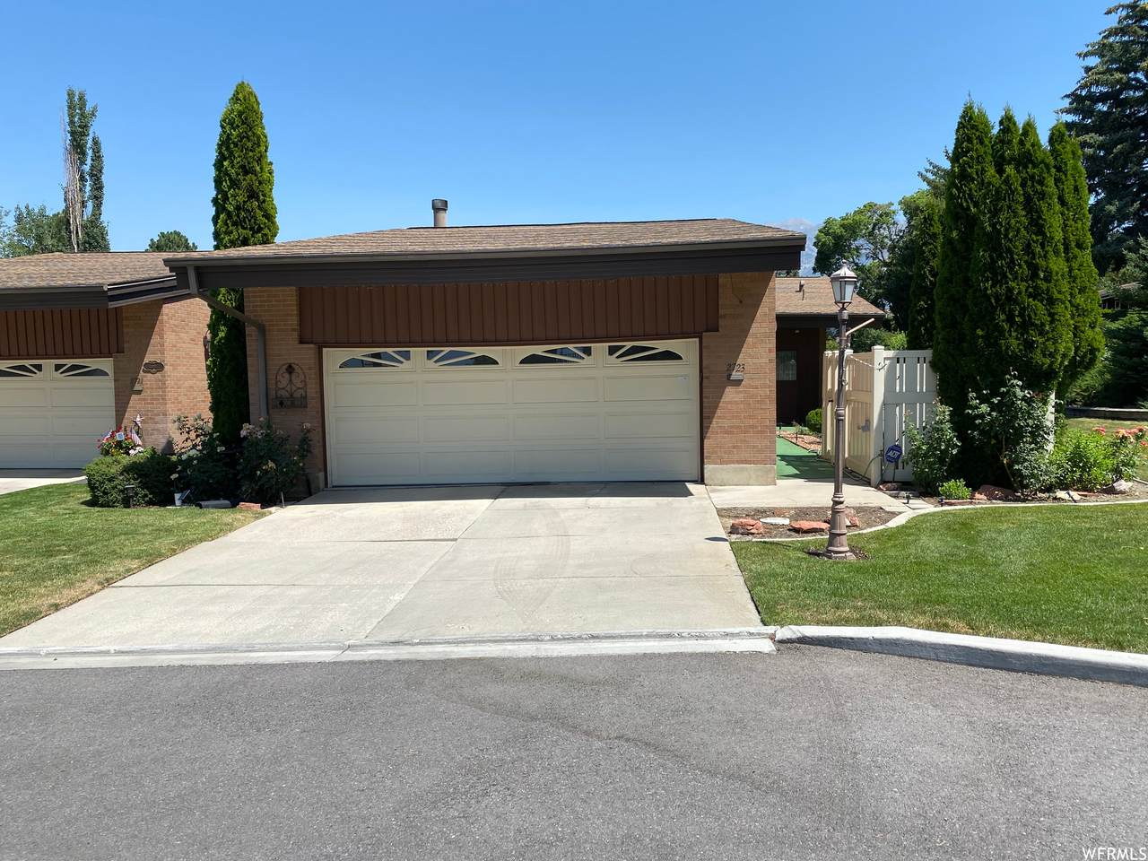 2723 Country Club Dr - Photo 1
