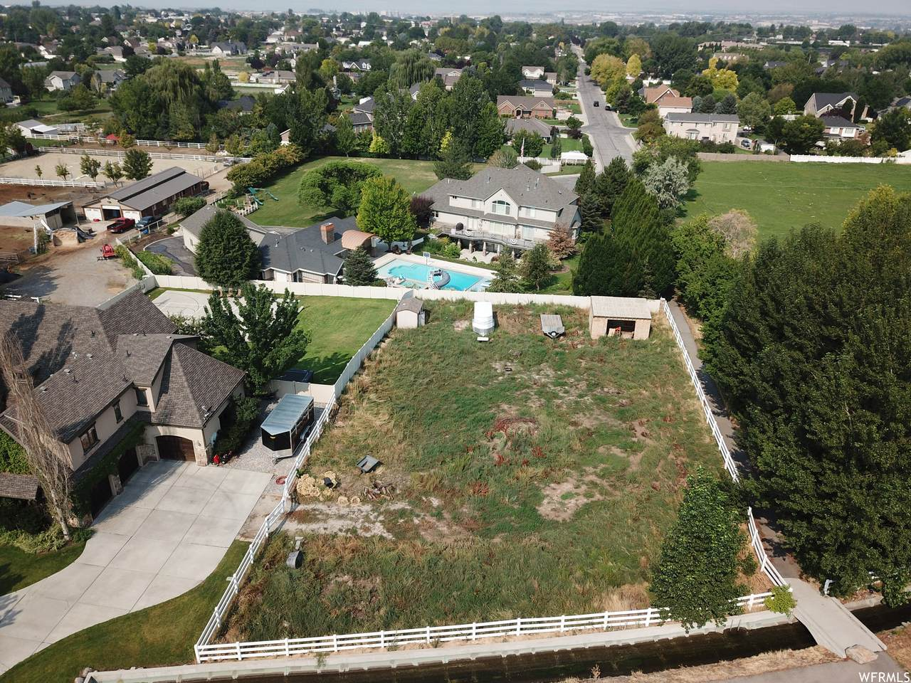 133 Canal Dr - Photo 1