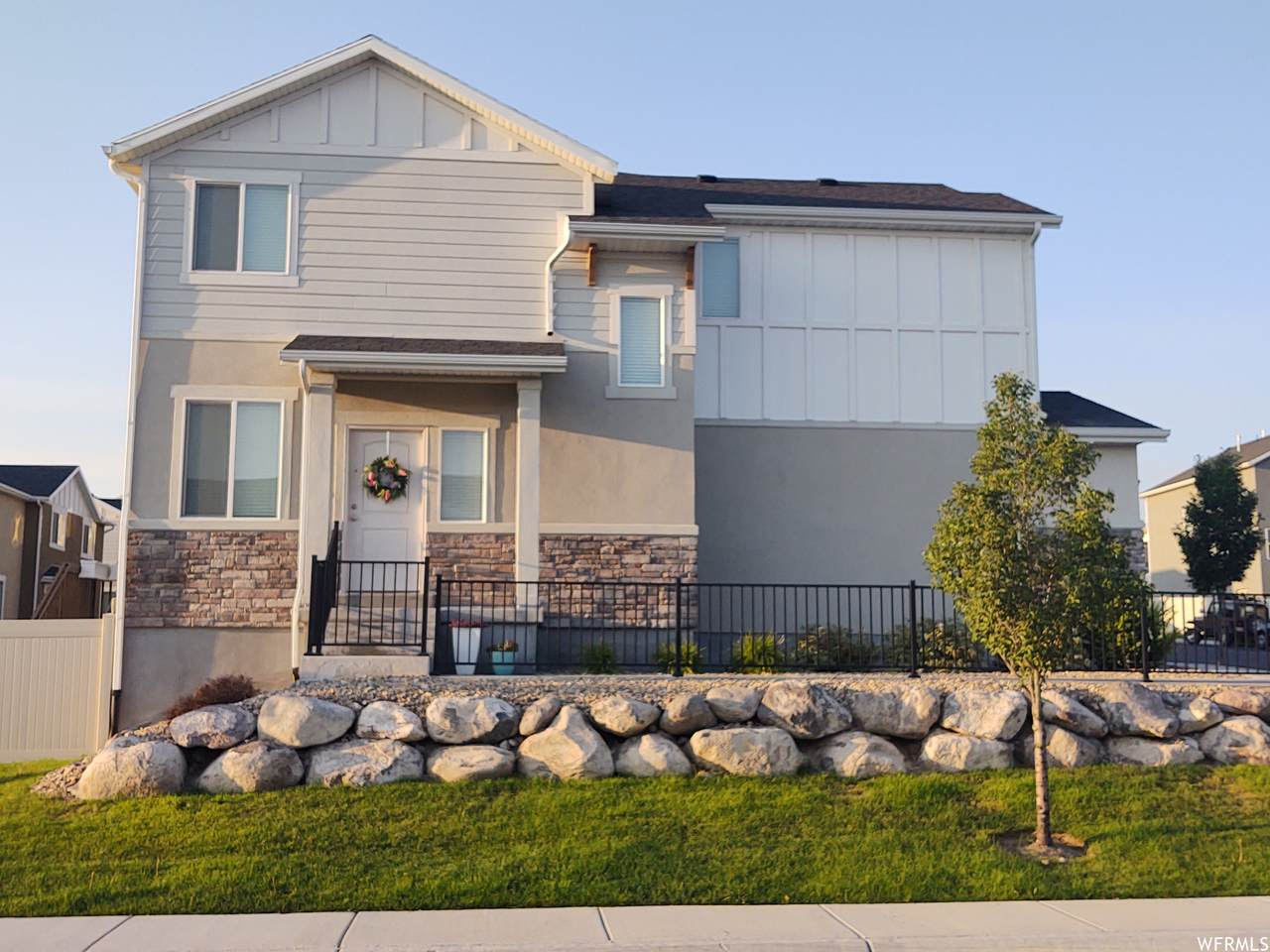 14261 Meadow Rose Dr - Photo 1