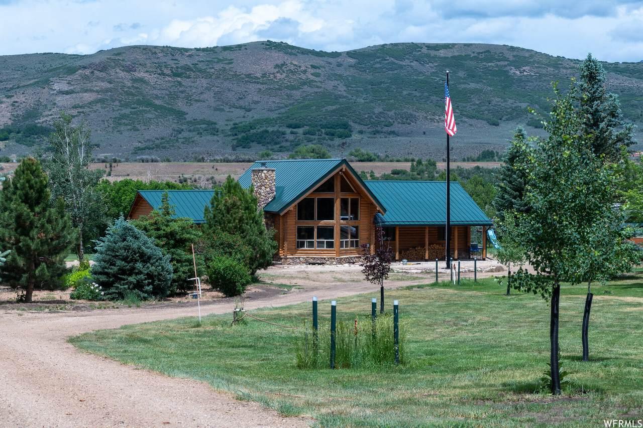 4055 Riverview Dr - Photo 1