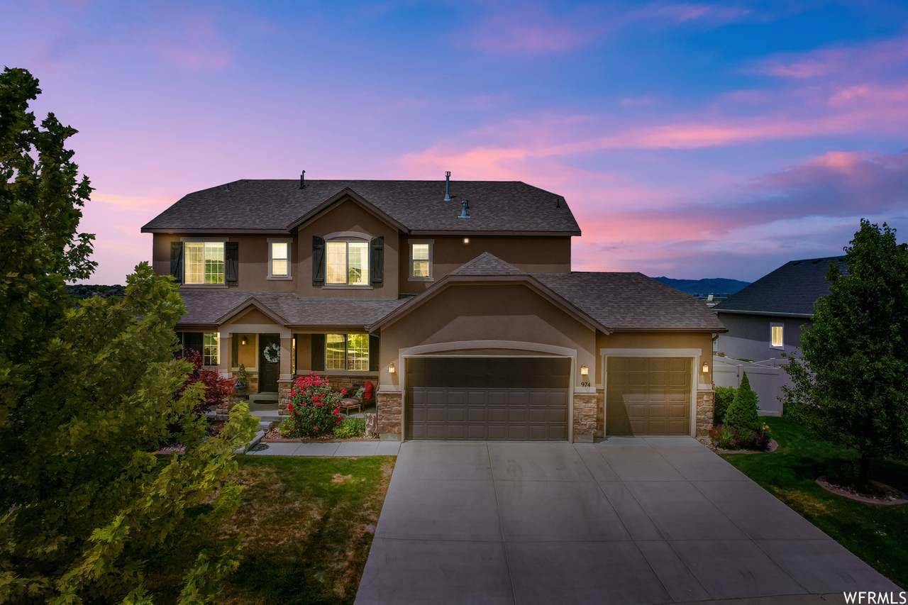 974 March Brown Dr - Photo 1