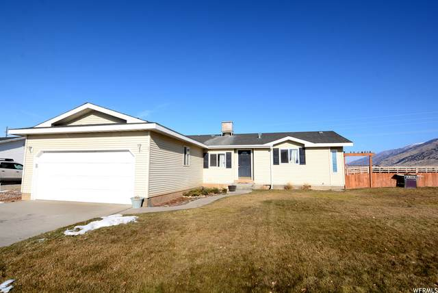 97 S Manitoban E, Hyrum, UT 84319 (#1719854) :: Big Key Real Estate