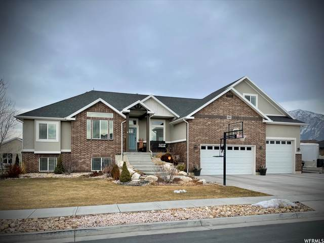 2652 W 2225 N, Farr West, UT 84404 (#1720021) :: Colemere Realty Associates