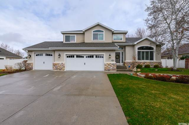 3129 E Fur Hollow Dr, Sandy, UT 84092 (#1720355) :: The Fields Team