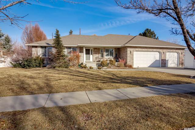 1262 W Chapel Ridge Dr, South Jordan, UT 84095 (#1720385) :: Red Sign Team
