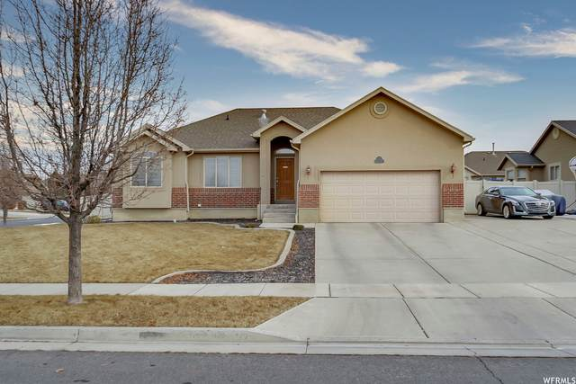 2006 N 2700 W, Clinton, UT 84015 (#1721432) :: Colemere Realty Associates