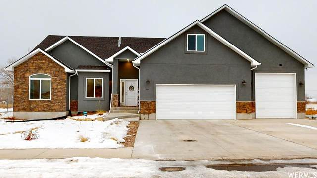 1156 W Grayhawk Loop, Roosevelt, UT 84066 (#1721512) :: The Lance Group