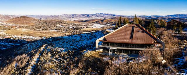 1360 Golden Way, Park City, UT 84060 (#1721526) :: goBE Realty