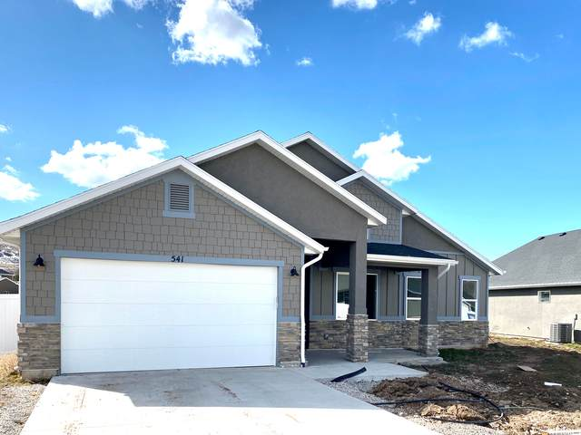 615 E Pebble Creek Dr, South Weber, UT 84405 (#1723274) :: Colemere Realty Associates