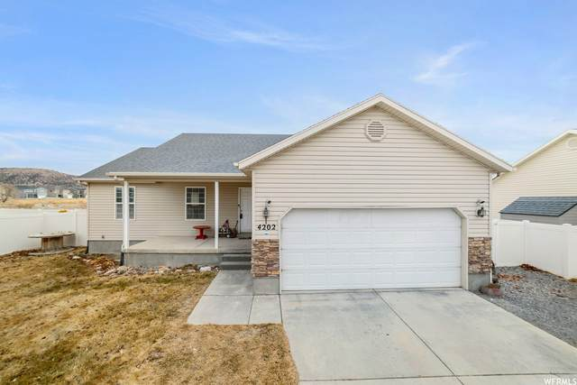 4202 N White Pine Rd, Eagle Mountain, UT 84005 (#1723514) :: Red Sign Team