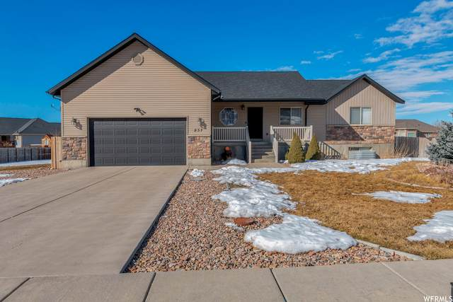237 S 100 W, Hyde Park, UT 84318 (#1724735) :: Colemere Realty Associates
