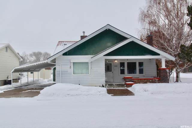 215 E Second St S, Grace, ID 83241 (#1724887) :: goBE Realty