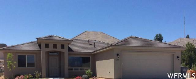 1155 N Sunset Ridge Dr, Hurricane, UT 84737 (#1724947) :: goBE Realty