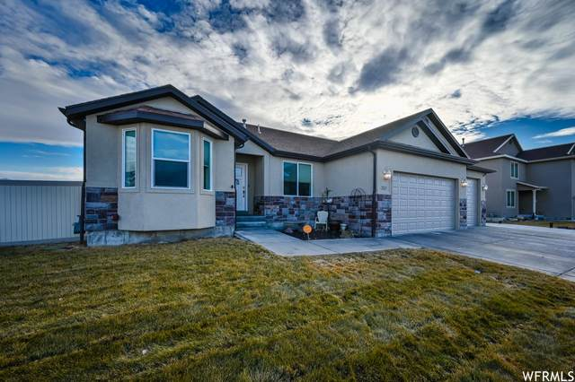 351 W Lakeside Dr, Stansbury Park, UT 84074 (MLS #1725049) :: Summit Sotheby's International Realty