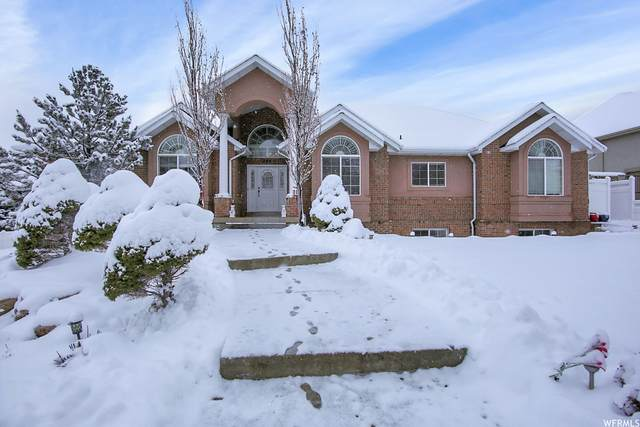 252 S Eagle Ridge Dr E, North Salt Lake, UT 84054 (#1725158) :: goBE Realty
