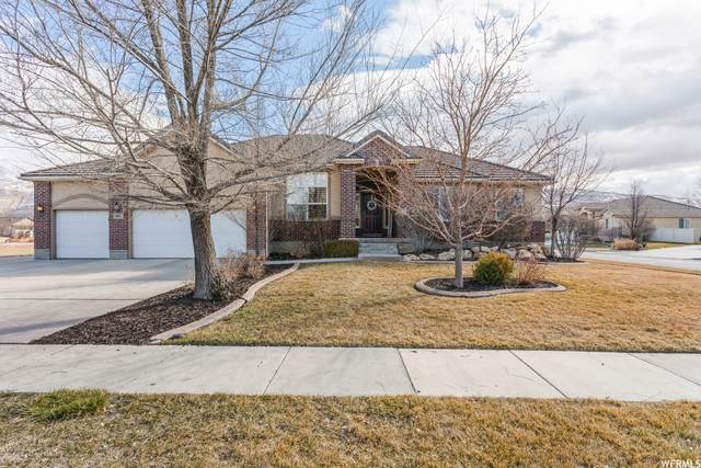 156 N Eastfork Cir W, Farmington, UT 84025 (MLS #1726517) :: Summit Sotheby's International Realty