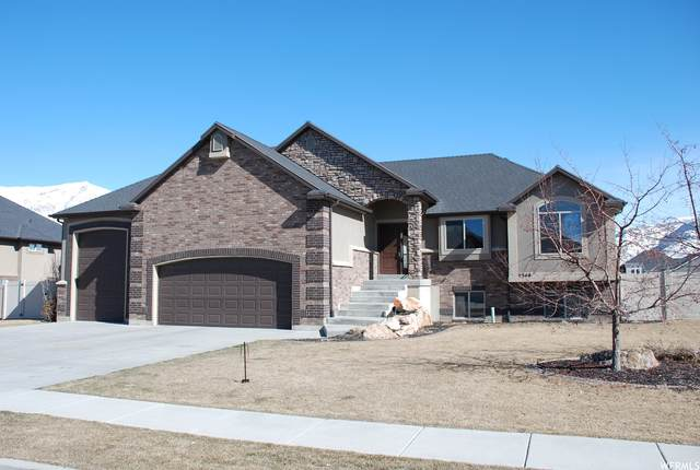 2348 N 2575 W, Farr West, UT 84404 (#1726529) :: goBE Realty