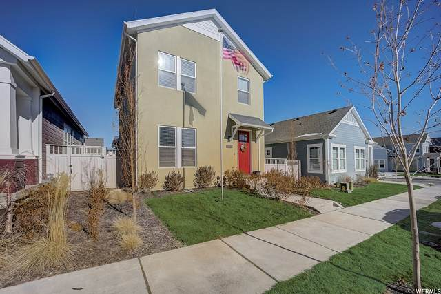 11371 S Abbey Mill Dr, South Jordan, UT 84009 (#1726591) :: goBE Realty