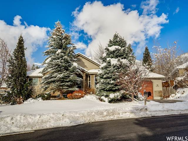 1422 E 2450 N, North Ogden, UT 84414 (#1726646) :: The Perry Group