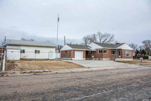 5190 S 2100 W, Roy, UT 84067 (#1727034) :: Doxey Real Estate Group