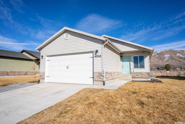 4542 N Long Way, Eagle Mountain, UT 84005 (#1727367) :: The Fields Team