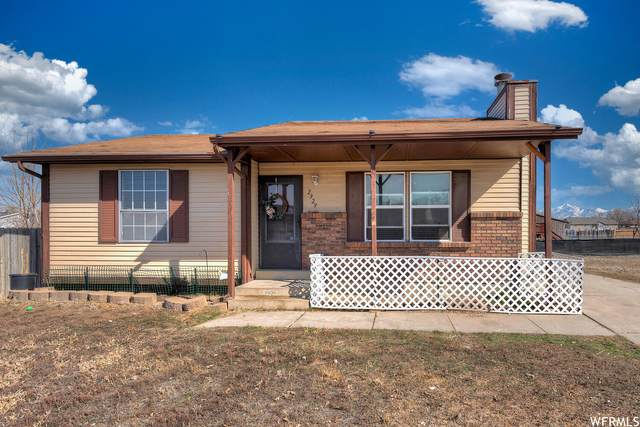 2929 S 7785 W, Magna, UT 84044 (#1728118) :: The Perry Group