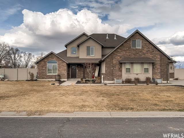 5490 W 4050 S, Hooper, UT 84315 (#1729209) :: Doxey Real Estate Group