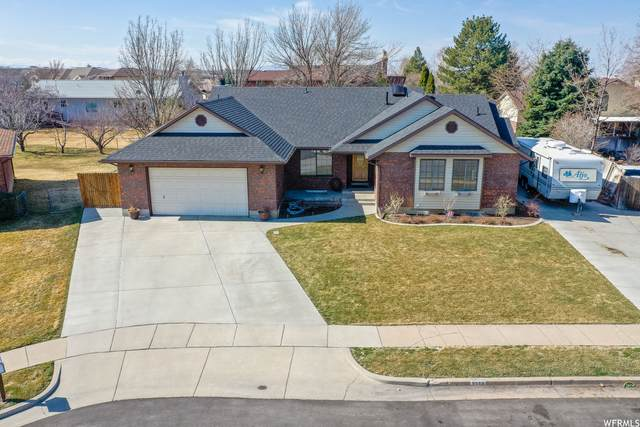 5558 S 400 W, Washington Terrace, UT 84405 (#1730160) :: goBE Realty