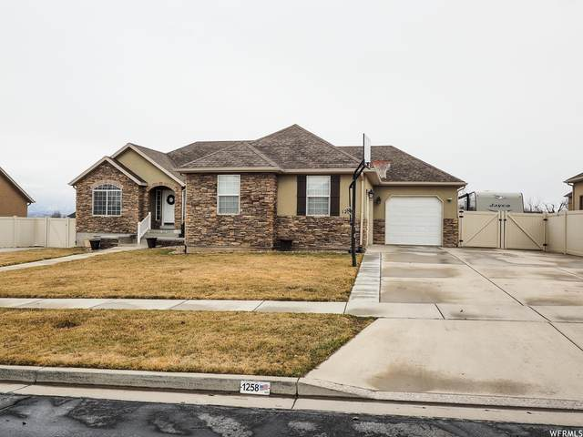 1258 S Pondside Dr, Saratoga Springs, UT 84045 (#1730244) :: The Perry Group