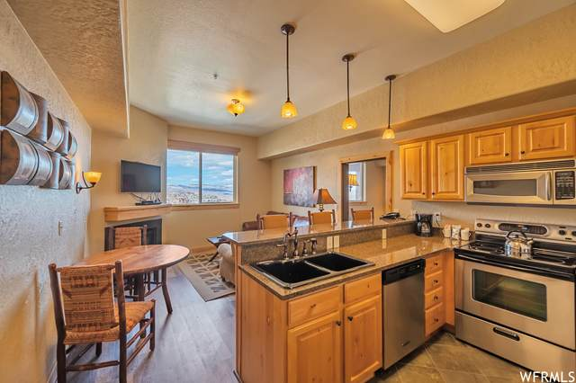 2653 Canyons Reosrt Dr 320 AB, Park City, UT 84098 (#1731136) :: Colemere Realty Associates