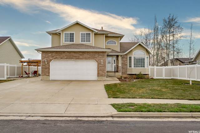 1084 E 1525 N, Layton, UT 84040 (#1731513) :: Berkshire Hathaway HomeServices Elite Real Estate