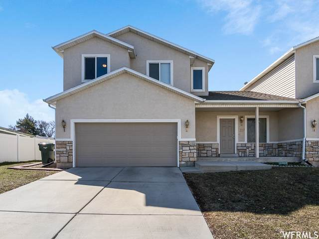 3237 W Meadow Leaf Ct, West Valley City, UT 84119 (#1731679) :: Colemere Realty Associates