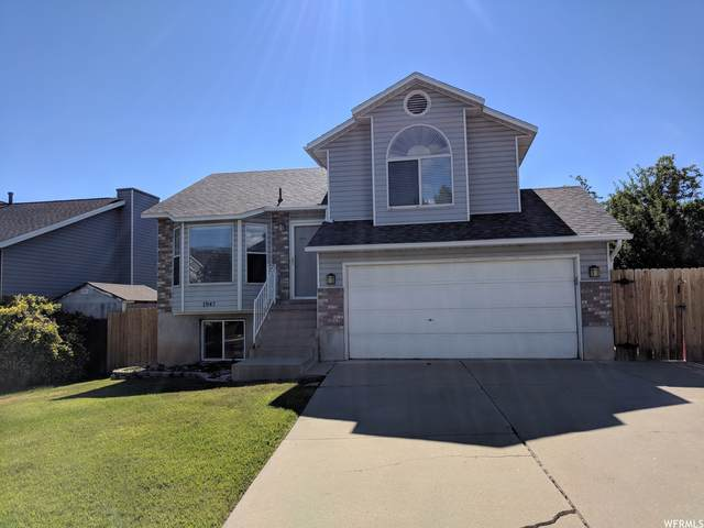 1947 N 285 W, Layton, UT 84041 (#1731986) :: Doxey Real Estate Group