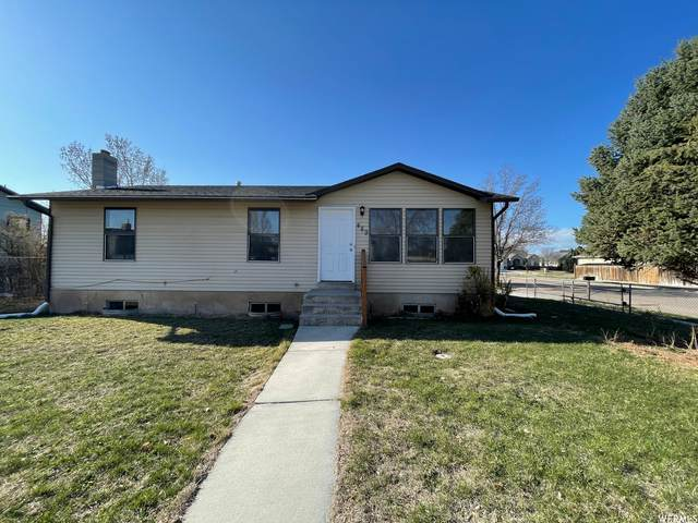 489 W 2400 S, Clearfield, UT 84015 (#1732590) :: REALTY ONE GROUP ARETE