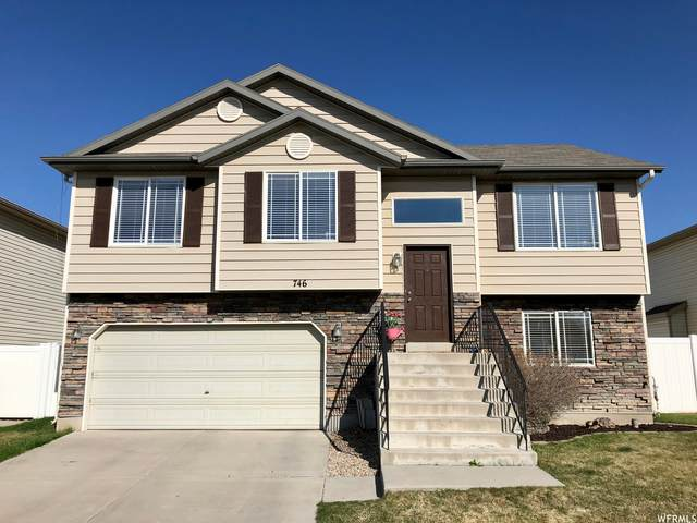 746 Fox Hollow Rd, North Salt Lake, UT 84054 (#1732862) :: Belknap Team