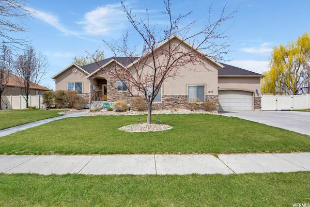 1580 W Crestmont Way S, Kaysville, UT 84037 (#1733174) :: The Perry Group