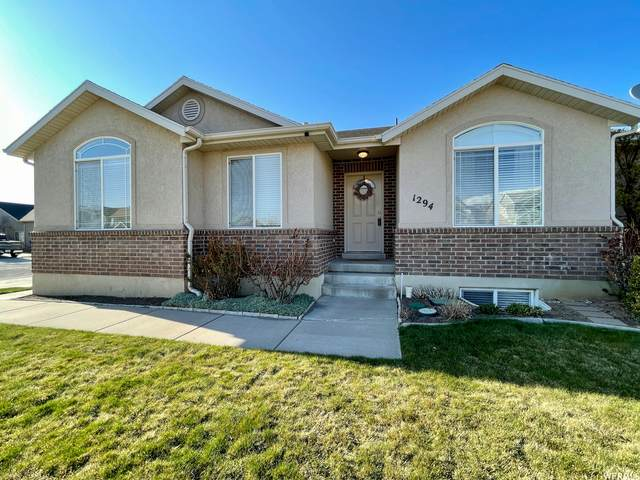 1294 E 6100 S, South Ogden, UT 84405 (#1733234) :: Doxey Real Estate Group