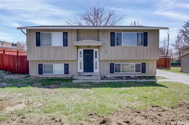 690 E Aloha Ln, Sandy, UT 84070 (#1733381) :: Black Diamond Realty