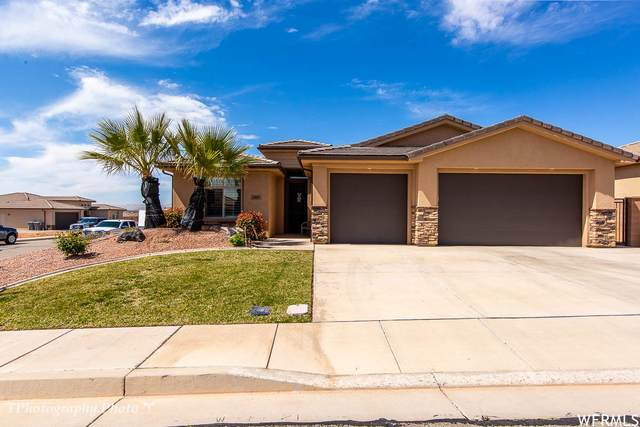 1067 N Lesa Ln, Washington, UT 84780 (#1733552) :: Colemere Realty Associates