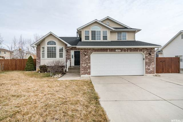 1438 N 2725 W, Layton, UT 84041 (#1734185) :: The Perry Group