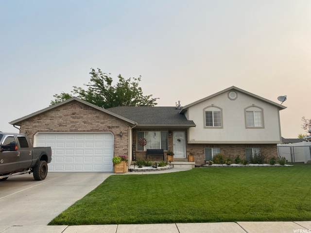 2358 W 2500 N, Clinton, UT 84015 (#1734512) :: Doxey Real Estate Group