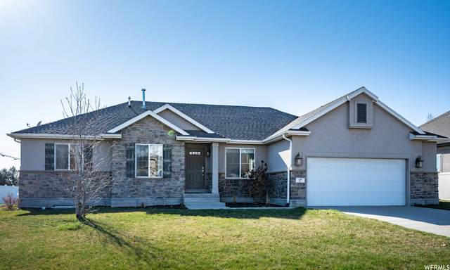17 N Swift Creek Dr, Layton, UT 84041 (#1734608) :: Black Diamond Realty