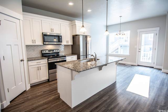 1726 N 3830 W, Lehi, UT 84043 (MLS #1734772) :: Summit Sotheby's International Realty