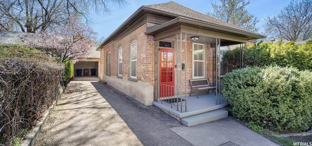 215 W Fern Ave, Salt Lake City, UT 84103 (#1735062) :: Villamentor